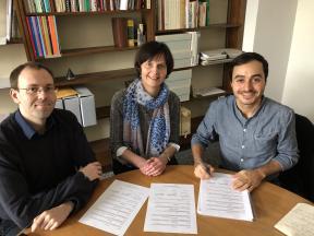 Neil Ewering (président du PSMN), Sylvie Béguelin (directrice de la bibliothèque de la ville de La Chaux-de-Fonds), Oğuzhan Can (secrétaire du PSMN)
